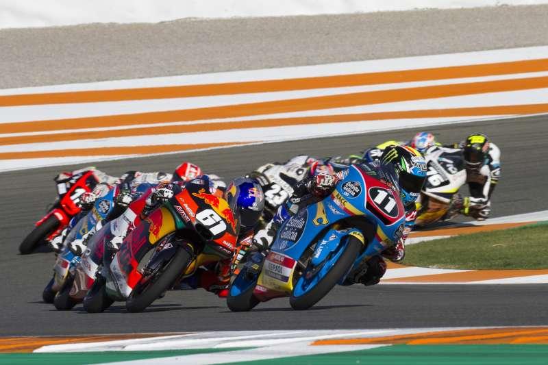 Los pilotos del mundial junior de Moto3 disputarán dos carreras en el trazado de Cheste