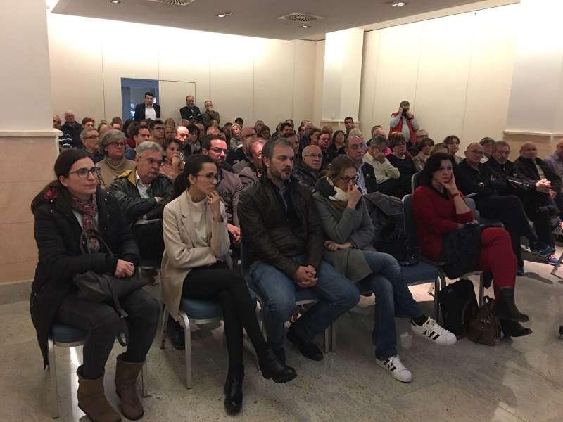 Unas 150 personas asistieron a la reunión