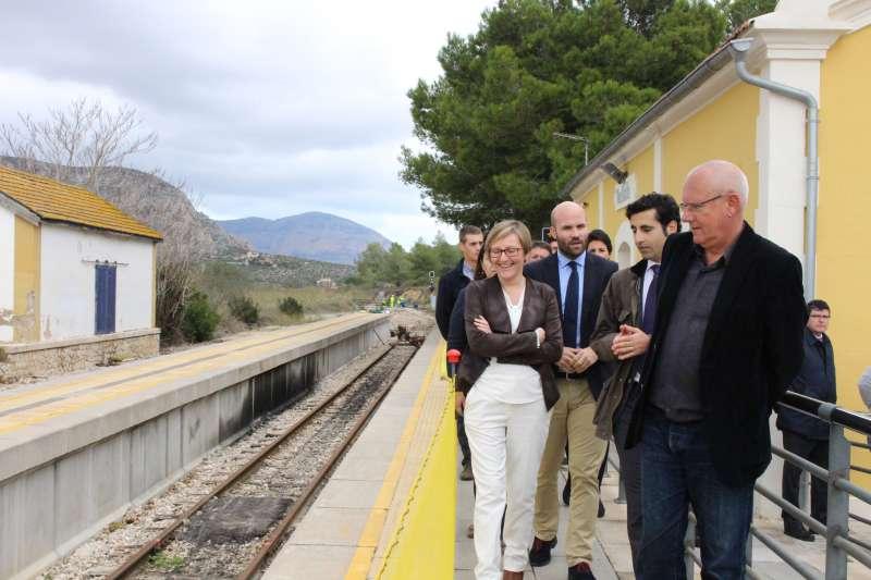 La Consellera de Obras Públicas en su visita al tramo Calp-Teulada.