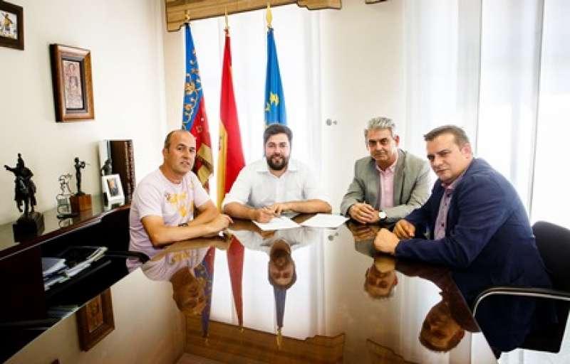 Signatura del conveni en Rafelbunyol. EPDA