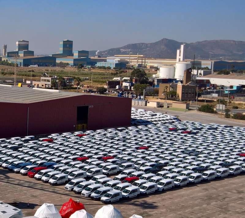 Vehículos en el puerto de Sagunt. EPDA