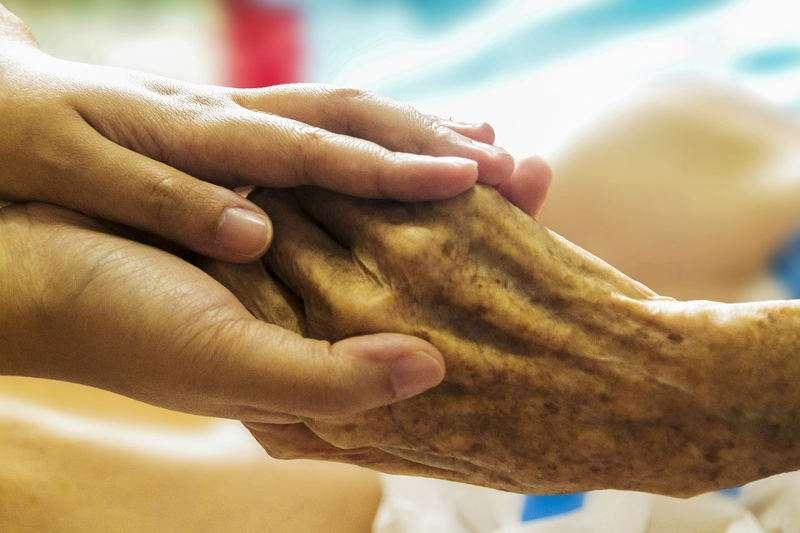 En España hay cerca de 1,2 millones de personas con Alzheimer. EPDA