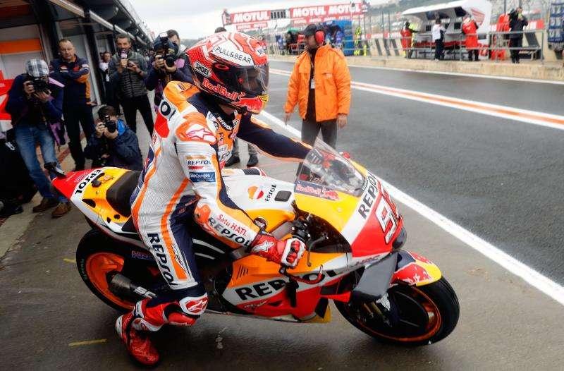El piloto de Moto GP Marc Márquez, del equipo Repsol Honda, esta mañana en el Circuito Ricardo Tormo de Cheste. EFE