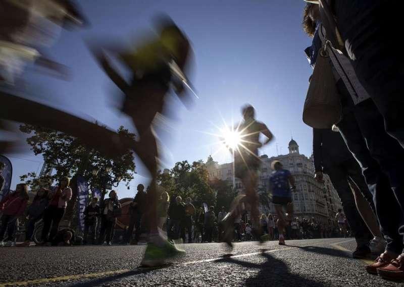 Transcurso de una prueba de maratón. EFE/Bruque/Archivo