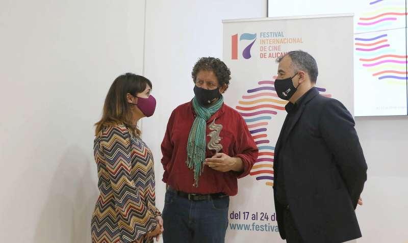 JUlia Parra destacó la trayectoria del premiado