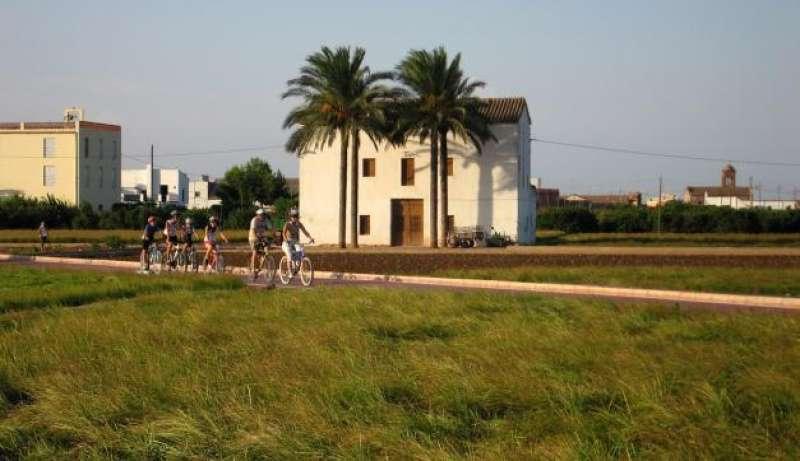 Ciclistas por la Vía Xurra. EPDA
