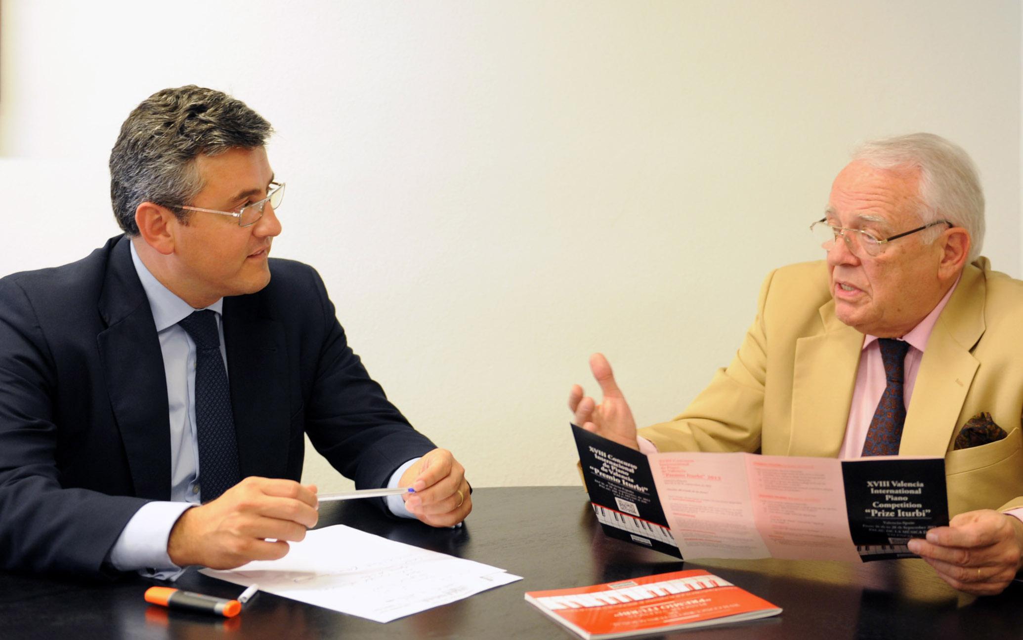 Cristóbal Grau se reúne con Joaquín Soriano. Foto: Abulaila