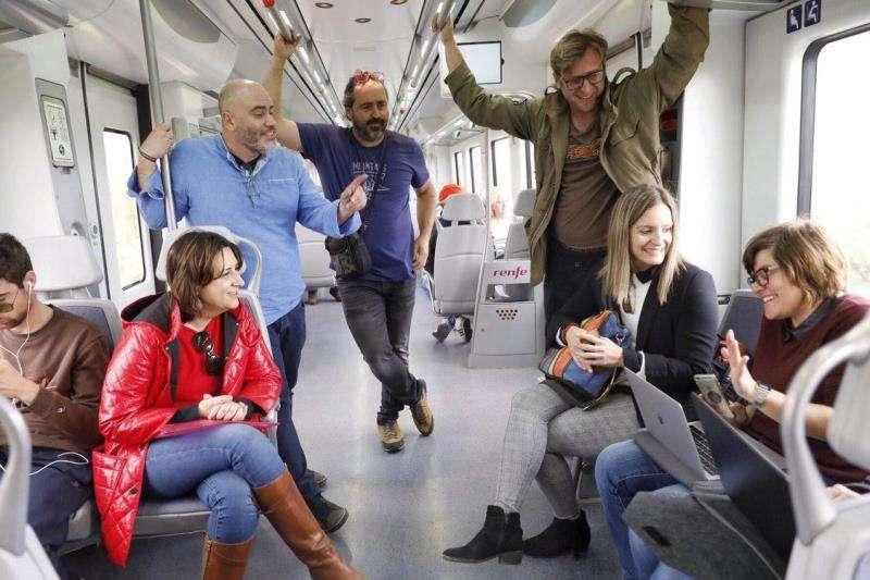 Los representantes de Unides Podem-EU en la iniciativa de hoy, en una imagen difundida por la formación.