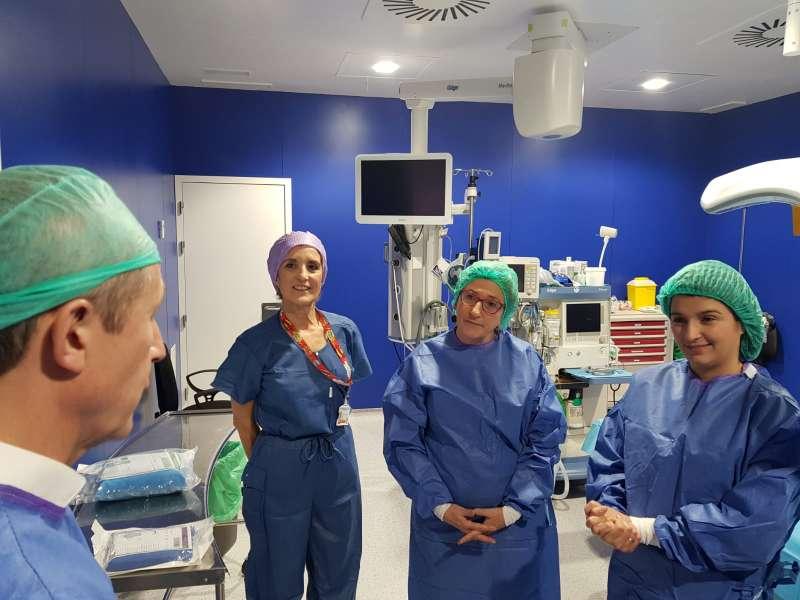 Barceló en los quirófanos nuevos del Hospital de Sagunt. EPDA