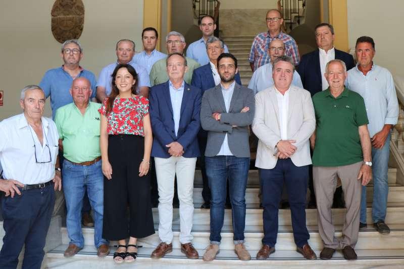 Foto de familia en el ayuntamiento de Sagunt. EPDA