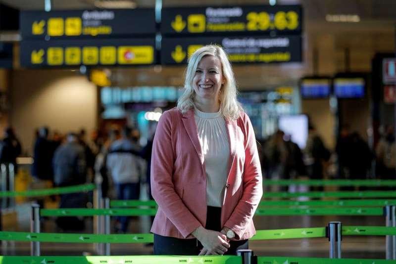 Entrevista con Julia Hillenbrand, directora de Lufthansa Group en España y Portugal. EFE/Manuel Bruque