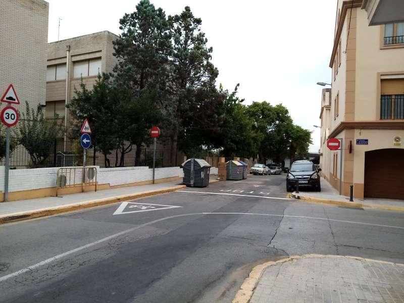 Calle del colegio Clara Campoamor de Paterna. EPDA
