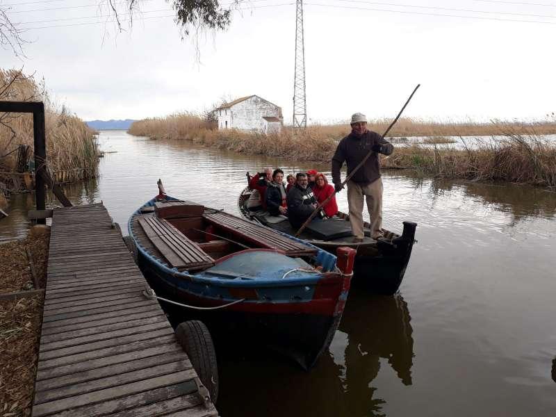 Paseo en barca solidario en Alfafar. EPDA