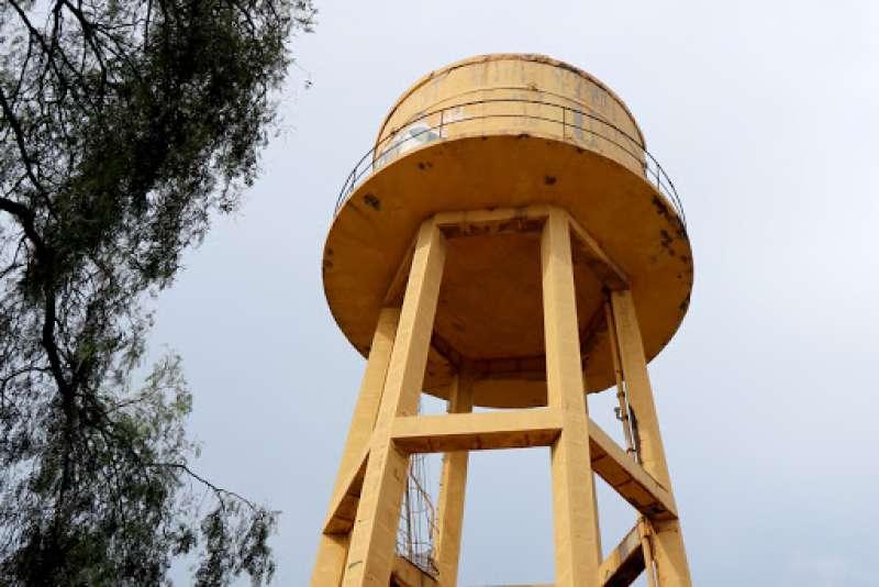 El depósito de agua es similar a los que todavía quedan en otros lugares del municipio.