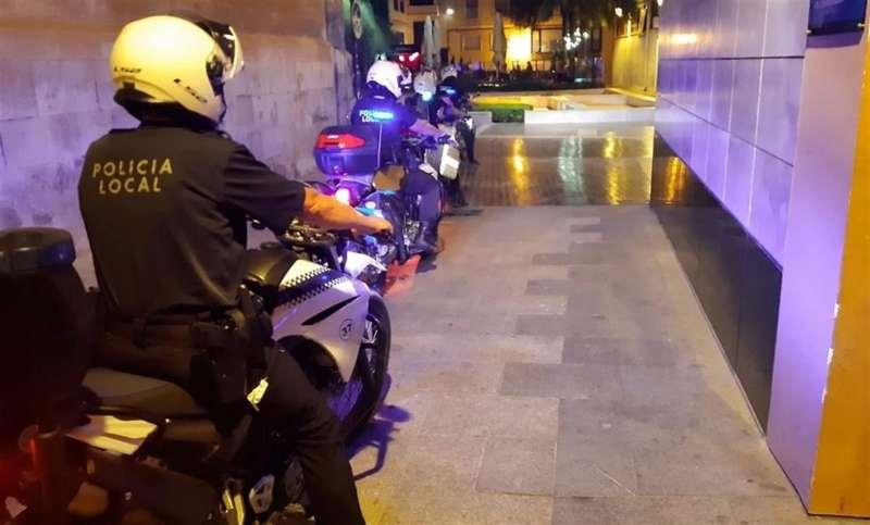 Agentes de Elche, en una imagen compartida en redes por la Policía Local.