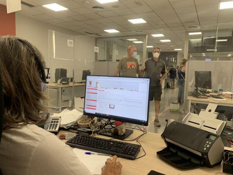 Trabajadora municipal del SIAC de Paterna
