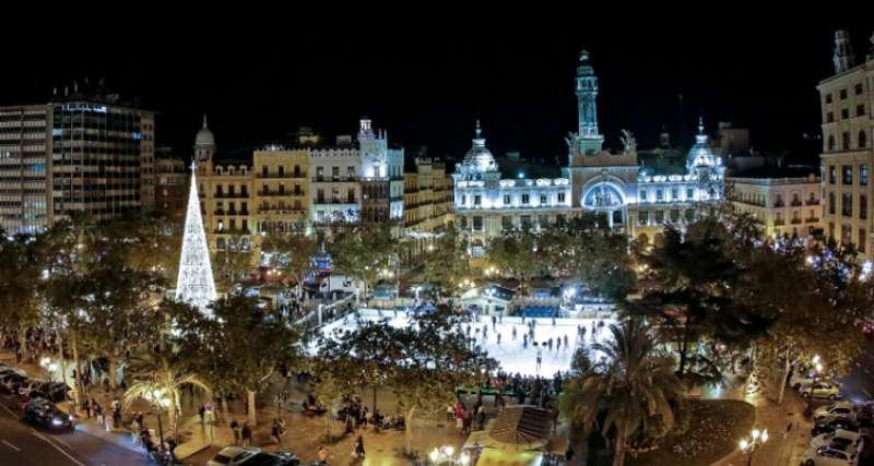 Plaza del Ayuntamiento de València en Navidad. EPDA