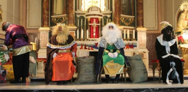 Los Reyes Magos durante la visita al municipio el año pasado. EPDA