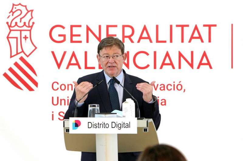 El president de la Generalitat, Ximo Puig, interviene durante la presentación del programa de formación