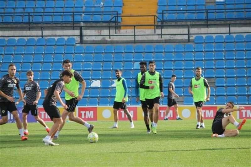 Imagen de esta mañana del entrenamiento del Hércules CF, en una imagen compartida por el club en redes sociales.