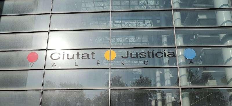 Fachada de la Ciudad de la Justicia de València. EFE/Archivo