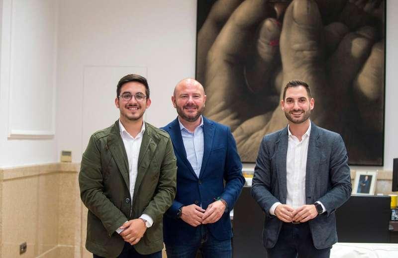 Gaspar con Troyano y Soriano en la reunión que han mantenido. / EPDA