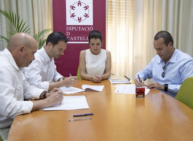 La diputada provincial de Medio Natural, María Jiménez, y el diputado de Contratación y Compras, Ximo Huguet. EPDA