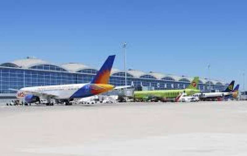 Aviones en el Aeropuerto de Manises.