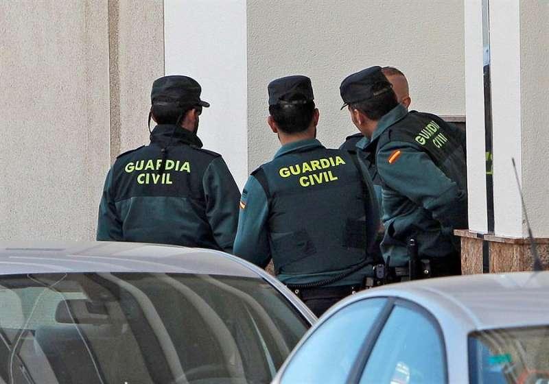 Varios agentes de la Guardia Civil en una operación. EFE/Archivo/Pep Morell