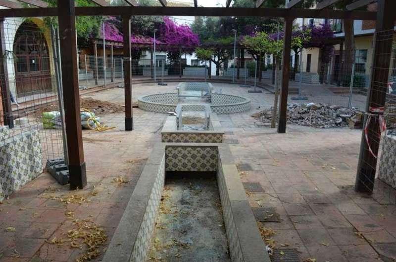Obres en la font de la plaça Major de Picanya. EPDA