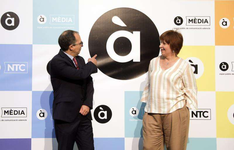 El presidente de la Corporación Valenciana de Medios de Comunicación (CVMC), Enrique Soriano, y la directora general de À Punt, Empar Marco. EFE/Archivo