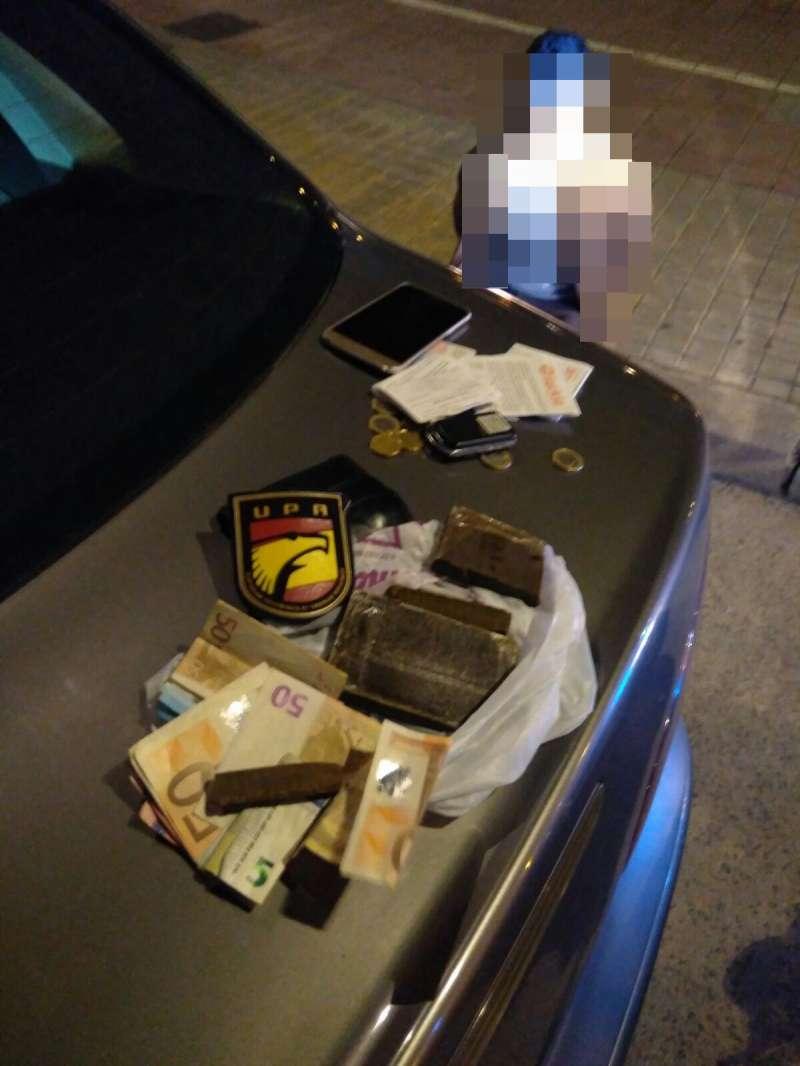 La Policía Nacional detiene a un hombre tras saltarse un semáforo y encontrarle 162 gramos de hachís