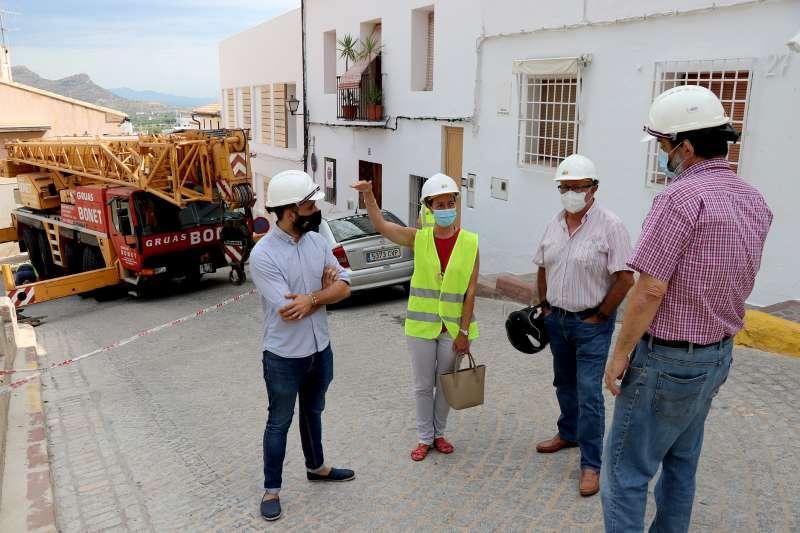 Un momento de la visita a las obras.