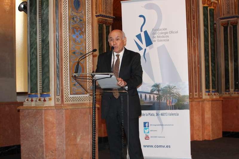 Dr.Froilán Sánchez recibe el premio Mejor Médico Rural./epda