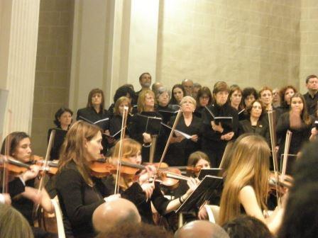 Momento de la actuación, dirigida por Francisco Melero, el pasado día 23 de marzo de 2013, en el Templo de Santa María, en Requena. Foto: J.M.M.