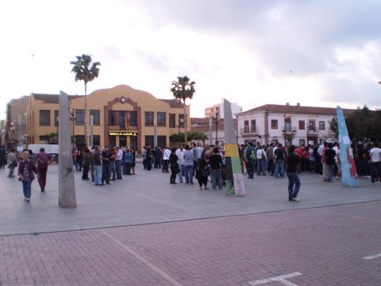 Imagen tomada en la plaza del Sol el viernes por la tarde. FOTO INMA RODRÍGUEZ