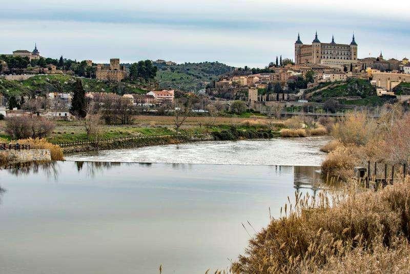 Imagen, el río Tajo, a su paso por Toledo. EFE/Archivo