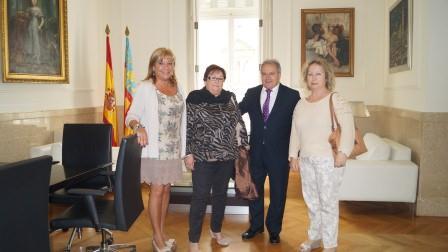 Alfonso Rus y Amparo Mora se reúnen con la Federación de Asociaciones de Vecinos de Valencia.