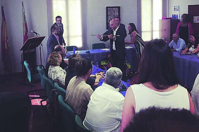 Pleno de investidura de Víctor Jiménez como alcalde de Rocafort.EPDA