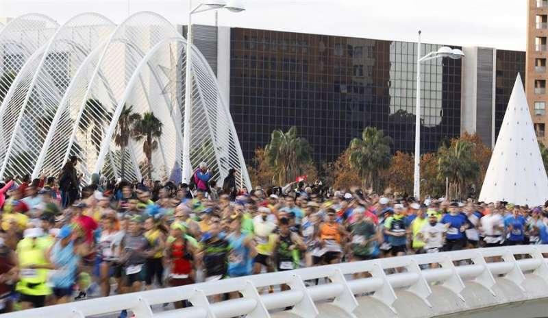 alida de los 25.000 corredores inscritos en la edición número 39 del Maratón Valencia Trinidad Alfonso. EFE/ Archivo