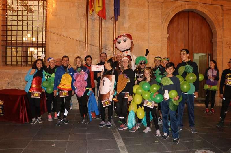 Algunos de los participantes de la San Silvestre en Llíria.- EPDA