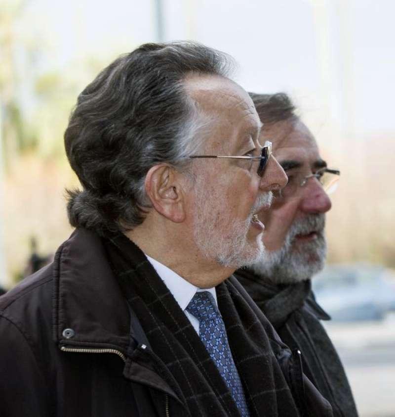 El exvicealcalde de Valencia Alfonso Grau (i). EFE/Archivo