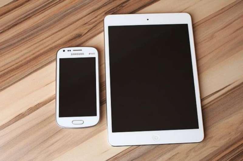 Dos dispositivos móviles. FOTO EPDA