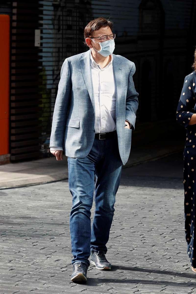 El president de la Generalitat, Ximo Puig, a su llegada a la reunión del Comité Federal del PSOE que se celebra este sábado en Madrid. EFE/Chema Moya