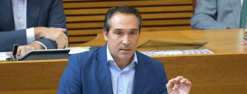 El portavoz de Economía del Grupo Popular en Les Corts, Rubén Ibáñez.