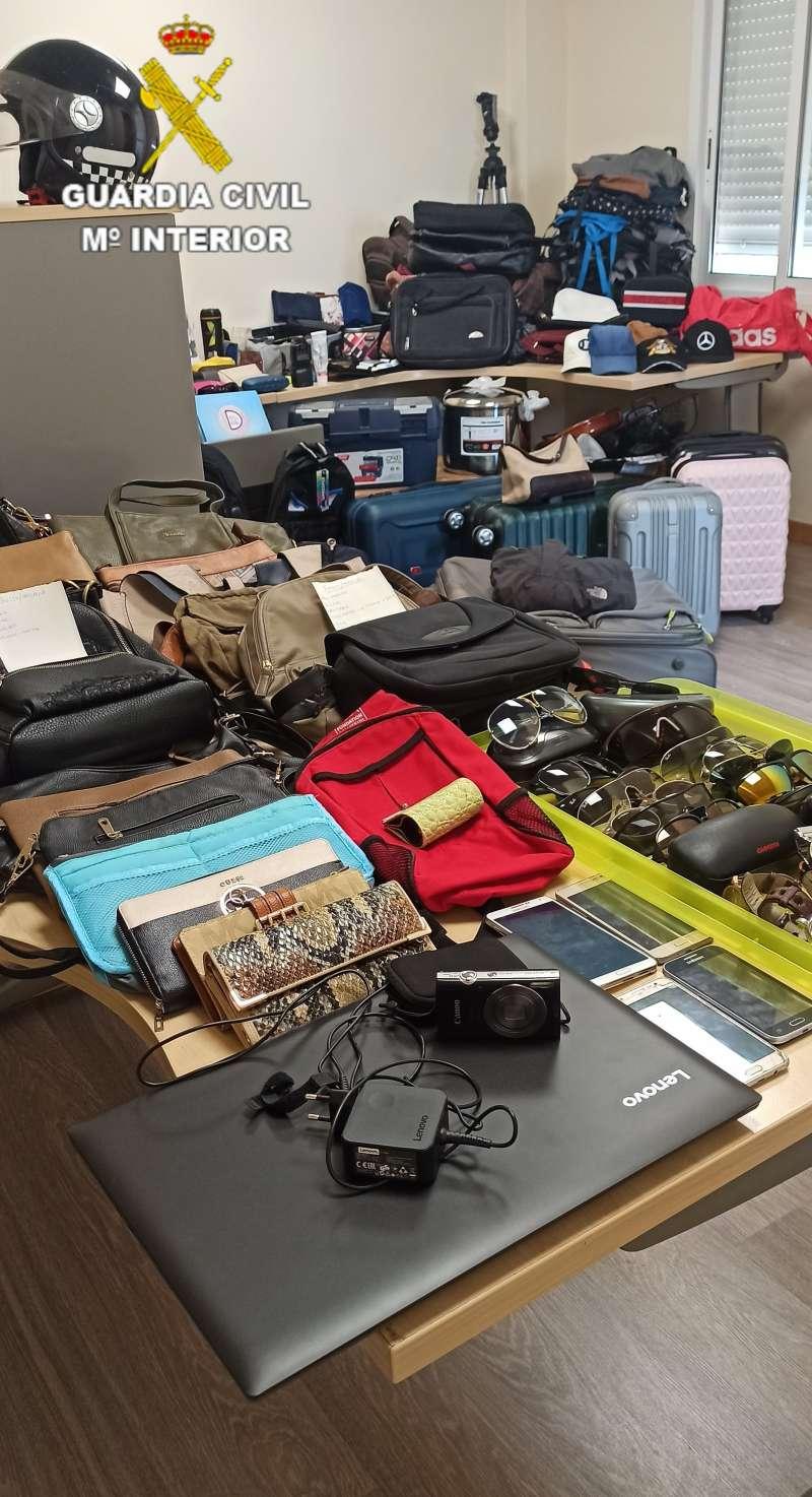 Parte de los objetos robados. EPDA.