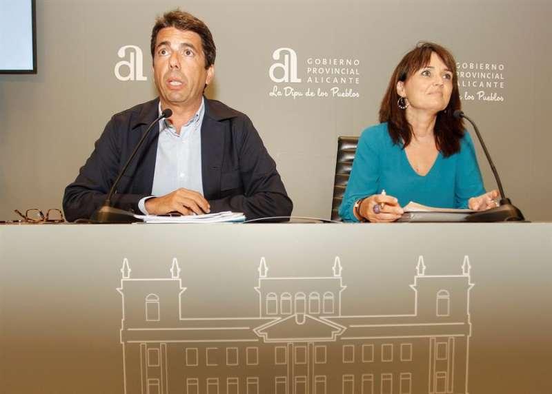 El presidente de la Diputación de Alicante, Carlos Mazón, y la vicepresidenta primera, Julia Parra. EFE