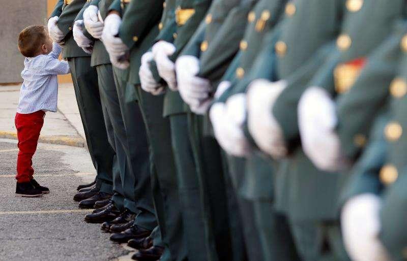 Un grupo de guardias civiles forman uniformados en una imagen de archivo. EFE