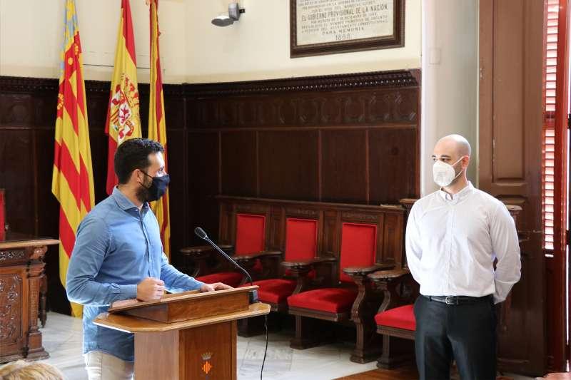 Recepción de José Santiago Ibáñez Cabellos en el salón de plenos del Ayuntamiento de Sagunt. / EPDA