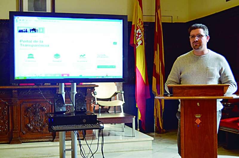 El edil de Transparencia, Sergio Moreno, en una rueda de prensa. EPDA